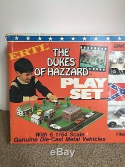 1/64 ertle diecast the dukes of hazard play set