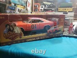 118 1969 Dodge Charger Flag General Lee Dukes of Hazzard Johnny Lightning NICE