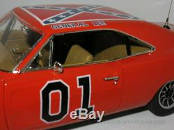 118 AutoWorld Authentics Dukes Of Hazzard Dodge 1969 Charger General Lee AMM964