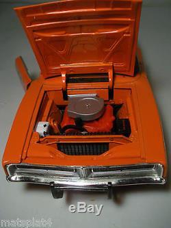 1969 Dodge Charger General Lee #01 Dukes of Hazzard 118 Die Cast Car Ertl Rebel