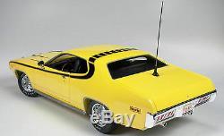 1971 Plymouth Satellite Dukes of Hazzard Daisy Duke's car 118 Auto World 105