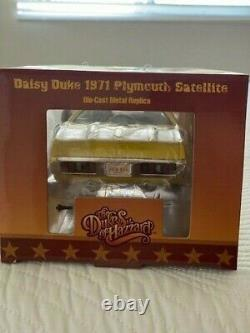 1971 Plymouth Satellite Yellow Dukes Of Hazzard Limited to 2000pc 1/18 Diecast