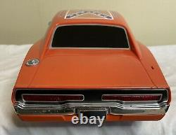2005 DUKES OF HAZZARD GENERAL LEE 19 Dodge Charger RC Car No Remote