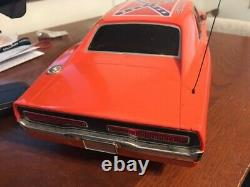 2005 DUKES OF HAZZARD GENERAL LEE 19 Dodge Charger RC Car With Remote UNTESTED