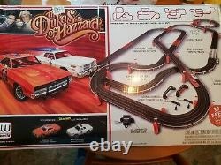 2007 Auto World THE DUKES OF HAZZARD ELECTRIC SLOT CAR RACING SET withCARS 38 feet