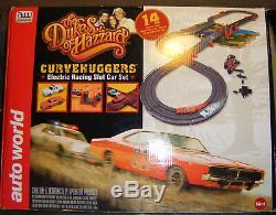 Auto World 2012 Dukes of Hazzard Curvehuggers Slot Car Set NIB 14' Track with Jump