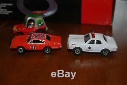 Auto World Dukes of Hazzard Curvehuggers Slot Car Racing Set Used 3 cars