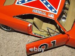 Auto World Silver Screen 1969 Dodge Charger General Lee 118 Dukes of Hazzard