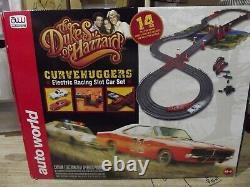 Auto World The Dukes Of Hazzard Curvehuggers Ho Slot Car Race Set #srs259
