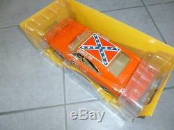 Auto world Dukes of Hazzard 18th scale 1969 Dodge Charger General Lee