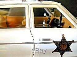 Autographed Autoworld Dukes Of Hazzard Roscos 1975 Dodge Police Car 118 Diecast