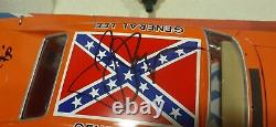 Autographed! The Dukes of Hazzard General Lee 118 Scale Diecast / American