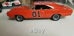 Autoworld 118 1969 Dodge Charger Dukes Of Hazzard General Lee Signed By Cooter