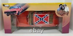 Autoworld Silver Screen Machines Dukes of Hazzard General Lee 118