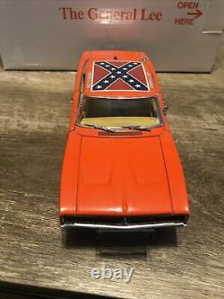 Danbury Mint 1969 Dodge Charger R/T General Lee 01 with Original Box 124