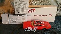 Danbury Mint General Lee 1969 Dodge Charger Dukes of Hazzard Die Cast Car
