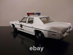 Diecast 1/24 Dukes Of Hazzard General Lee Custom with Hazzard County Cop Car