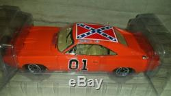 Dodge Charger 1969 GENERAL LEE Dukes of Hazzard Diecast 1/18 AUTO WORLD NIB