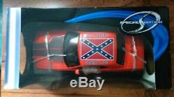 Dukes Of Hazzard General Lee Diecast 2006 Dodge Challenger 1/18 + Signed Photos