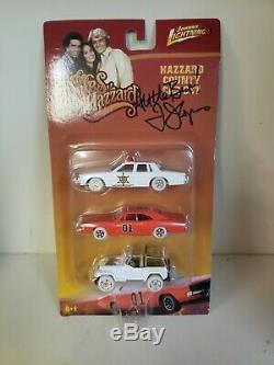 Dukes Of Hazzard White Lightning 3 Car Set. Johnny lightning 1/64 scale (RARE!)