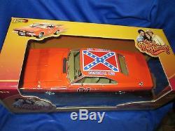 Dukes Of hazard General Lee 69 Charger 1/18 69 dodge original johnny lightning