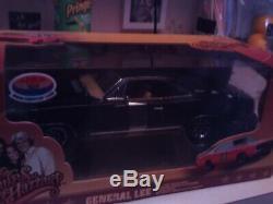 Dukes of HAZZARD GENARAL LEE 1/18 SCALE ALL BLACK 1of 150 SUPER CAR SUPER NICE