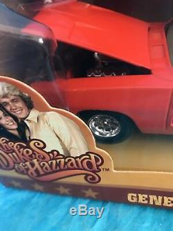 Dukes of Hazard 1969 Dodge Charger 125 Model Car General Lee Charger