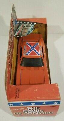 Dukes of Hazzard Ertl General Lee 1981 1/25 Scale Great Shape! NIB