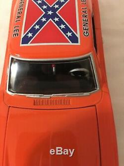Dukes of Hazzard General Lee 1/24 Scale Die Cast Car 1969 Dodge Charger