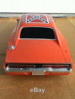 Dukes of Hazzard General Lee Remote Control RC 1/10 Scale Car withRemote UNTESTED
