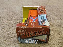 Dukes of Hazzard General Lee with Jumping Ramp ERTL 1/16 116 Steel Car 1981