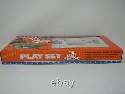 ERTL The Dukes of Hazzard Playset 5 cars 164, Fibreboard Buildings & Play Surfa