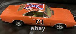 Ertl 1/18 General Lee 1969 Dodge Charger / Warner Bros. 1981 Dukes of Hazard