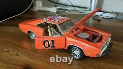 Ertl 1/18 General Lee Dukes Of Hazzard 1969 Dodge Charger! 1981 Tan Interior