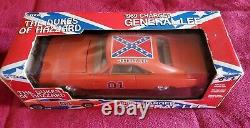 Ertl 7967 The Dukes of Hazzard 125 Scale General Lee 1969 Dodge Charger #01