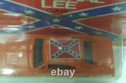 Ertl Dukes of Hazzard diecast toy, General Lee, TV 80s, Dodge charger muscle car