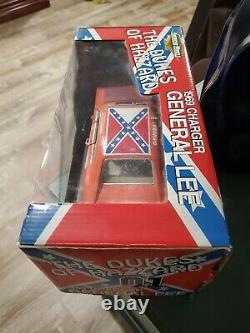 Ertl The Dukes of Hazzard 1969 Charger General Lee Raceday Edition 118