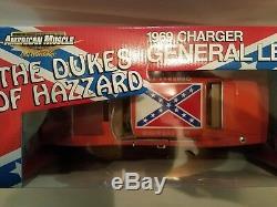 Ertl american muscle 118 Die Cast Dukes Of Hazzard RACE DAY GENARAL LEE RARE
