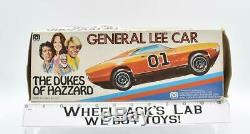 General Lee Bo & Luke'69 Dodge Charger Dukes of Hazzard Mego Action Figures