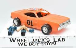 General Lee Bo & Luke'69 Dodge Charger Dukes of Hazzard Mego Action Figures