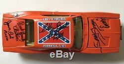 General Lee Dukes of Hazzard 125 Scale Signed Autographed 7 Cast Members