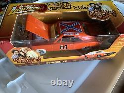 JOHNNY LIGHTNING DUKES OF HAZZARD GENERAL LEE WHITE Engine Autograph CHASE 1/25