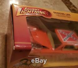 Johnny Lightning 1/25 Dukes Of Hazzard General Lee White Lightning Chase EM4905
