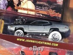 Johnny Lightning CHASE+REG. Dukes of Hazzard Daisy's 71 Plymouth Road Runner RW