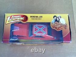 Johnny Lightning Dukes Of Hazzard 125 Diecast White Lightning Chase General Lee