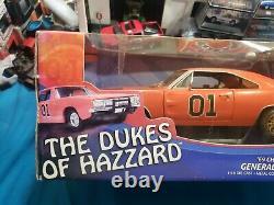 Joyride Dukes of Hazzard 118 General Lee Dirty Version BEAUTIFUL VERY NICE CAR