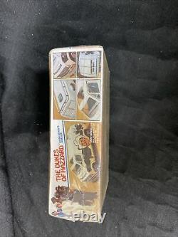 MPC The Dukes Of Hazzard Boss Hogg's Hauler Snap Model Kit Sealed fundimensions