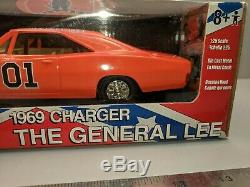 NEW IN BOX American Muscle Body Shop The Dukes Of Hazzard General Lee 1/25 RARE