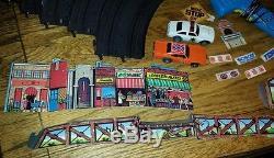 NICE Vintage Ideal 1981 Dukes of Hazzard Slot Car Set General Lee Sheriff Cars