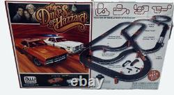 THE DUKES OF HAZZARD, Auto World Electric Slot Car Racing Set withCARS 38 feet